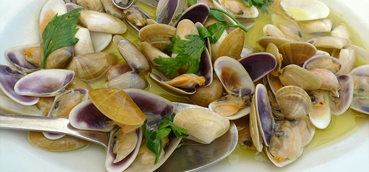 Wedge clams