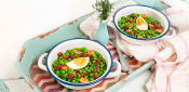 PEAS WITH EGG AND HAM