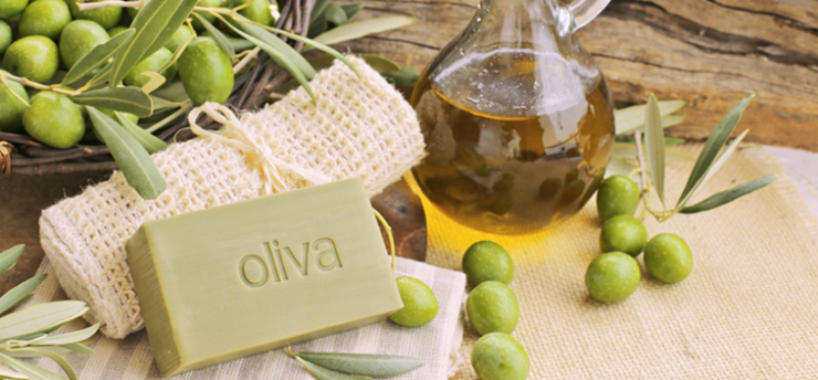 DO YOU USE EXTRA VIRGIN OLIVE OIL TO COMPLEMENT OTHER COSMETIC TREATMENTS?